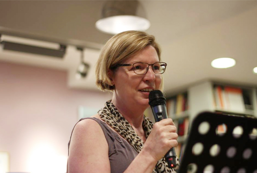 Robin HOughton reading at launch of Magma, July 2017